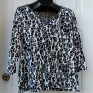 STUDIO WORKS Gray Leopard Casual 3/4 Top